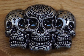 "Belt buckle   "" 3 schedels """
