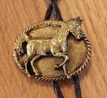 """Bolo tie   """"  Paard """"  goudkleurig"""