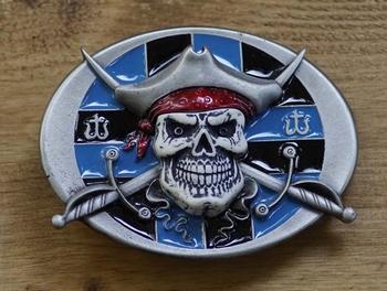"""Belt buckle  """" Doodshoofd piraat zwaarden """""""