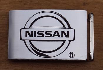 """Auto merk  buckle  """" Nissan """"   Zilverkleurig"""