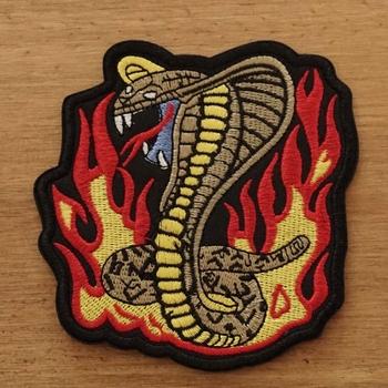 """Strijkapplicatie  """" Cobra in vlammen """""""