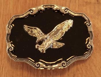 """Buckle  """" Grijpende adelaar op zwart schild """""""