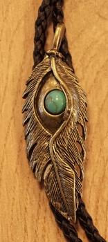 """Bolo tie  """" Veer met turquoise steen """"  koperkleurig"""