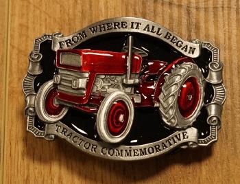 """Buckle  """" Tractor commemorative """"   rood / zwart"""