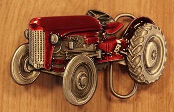 """Buckle  """" Tractor  """"   rood / nikkelkleurig"""