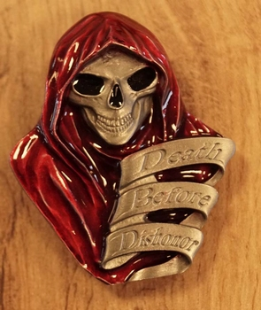 """Buckle """" Death before dishonor """""""