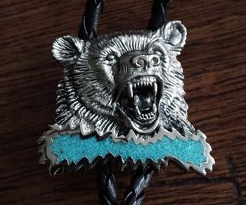 """Bolo tie in indiaanse styl  """" Aanvallende beer """""""