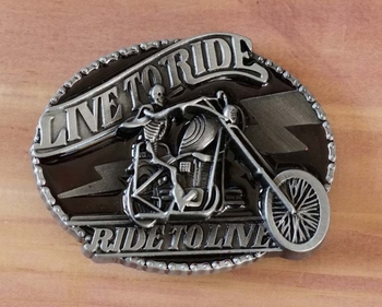 """Buckle / gesp  """" Live to ride, ride to line """""""