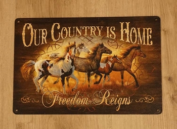 """Billboard """" Our country is home, freedom reigns """" paarden"""