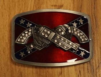 """Belt buckle  """" Revolvers met strass op rebelvlag """""""