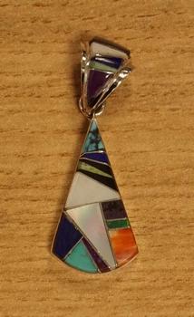 """Sterling zilveren indiaanse hanger """" Gekleurde sierstenen """""""