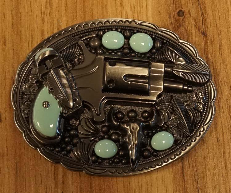 """Belt buckle  """" Revolver met turquoise stenen """""""