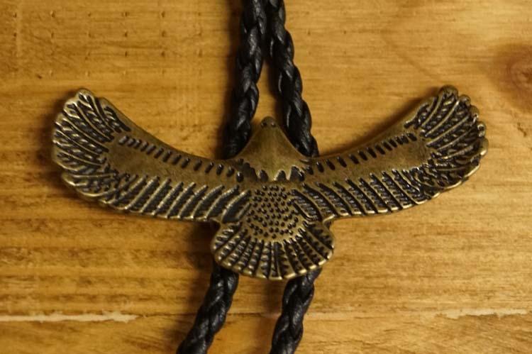 """Bolo tie  """"  Vliegende adelaar van boven """" Brons"""