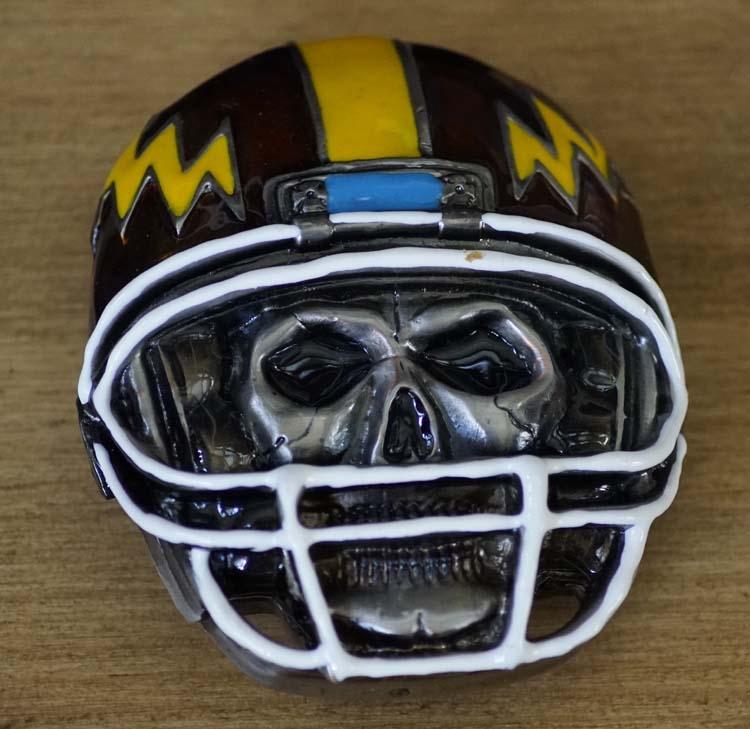 """Buckle  """" Doodskop rugby helm """""""