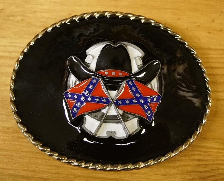 """Buckle """"  Rebelvlaggen met cowboyhoed """"  zwarte achtergrond"""