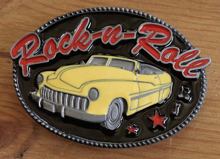 """Buckle  """" Rock and Roll """"  gele auto"""