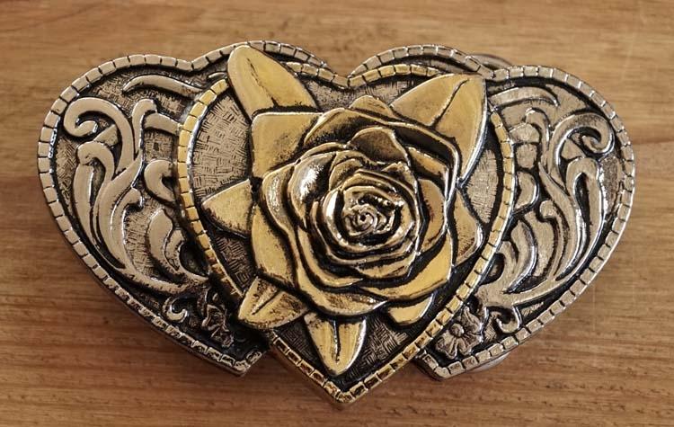 """Buckle / gesp  """" Hartjes met rozen """"  zilver- / goudkleurig"""