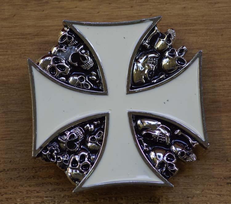 """Buckle / gesp """" Maltezer kruis met doodskoppen """""""