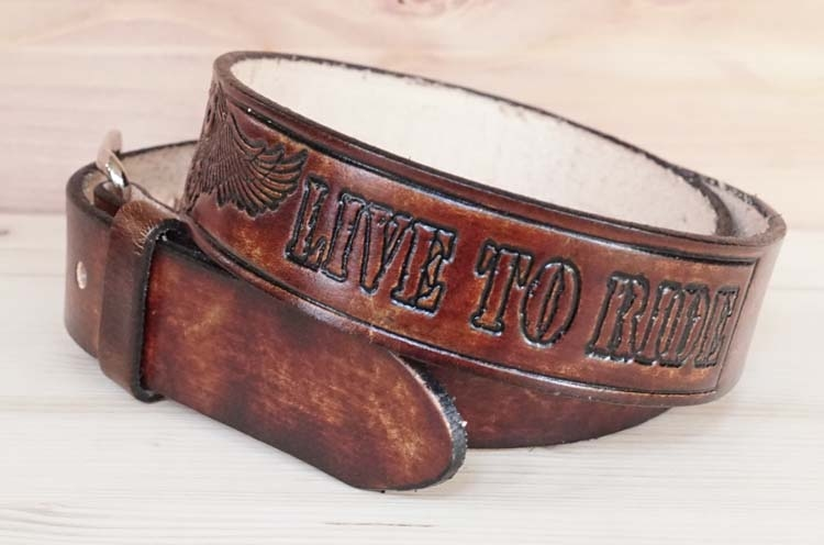 "Buckle riem  "" Ride to live  motorblok live to ride "" bruin"