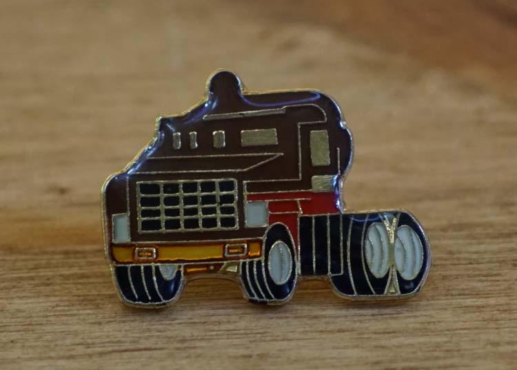 """Pin / speldje  """" Vrachtwagen """""""