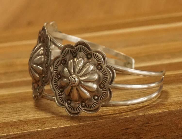 """Sterling zilveren indiaanse klemarmband """" Bloemen """""""