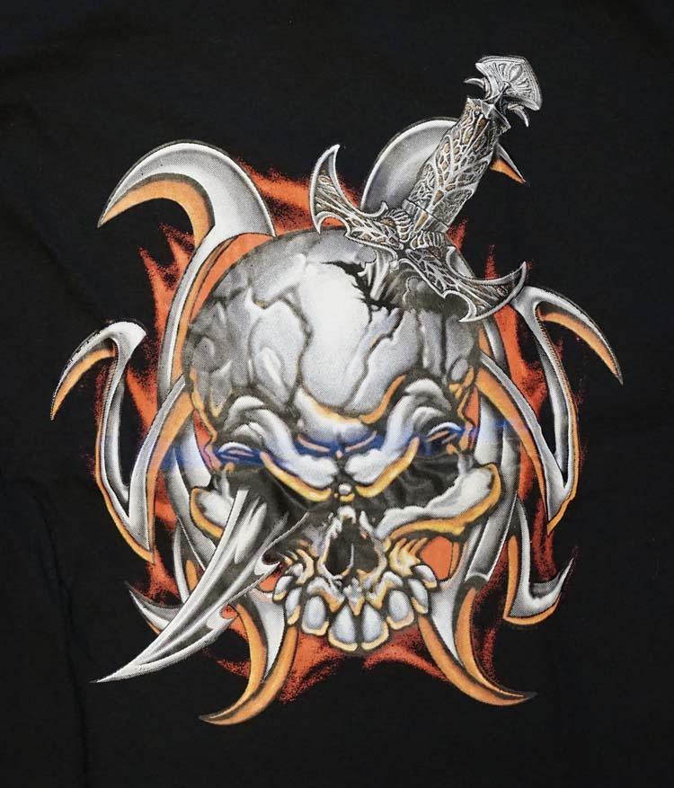 """T-shirt """"  Doodskop met dolk """"  Zwart"""