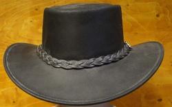"""Leren hoed  """" Horka """"  Zwart mat"""