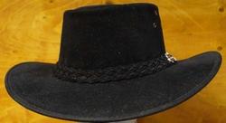 """Suede hoed  """" Horka """"  Zwart"""