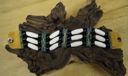 "Indiaanse armband  "" Beige / groen / zwart """
