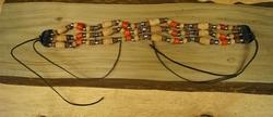 "Indiaanse ketting  "" Bruin / beige / rood """