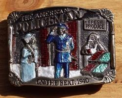 """Gesp  """" The American policeman  """"  gekleurd ( Politieman )"""