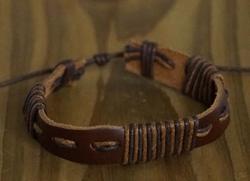 "Leren armband  ""  Bruin / zwart """