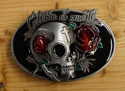 """Belt buckle   """" Celebre el muerto """"  Doodskop met rozen"""