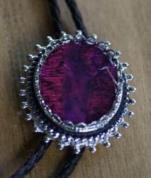 """Bolo tie  """"  Decoratie steen paars """""""