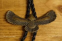 """Bolo tie  """"  Vliegende adelaar van boven """" Brons kleurig"""