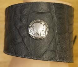 """Leren armband met veter vast maken """" Bizon """" Zwart structuur"""
