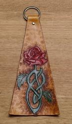 """Sleutelhangers van leer """" Roos """" gekleurd / tan"""