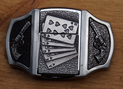 """Aansteker gesp  """" Pokerhand + 2 revolvers """""""