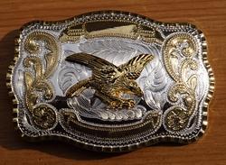 """Buckle  """" Grijpende adelaar """" Goud- / zilverkleurig"""