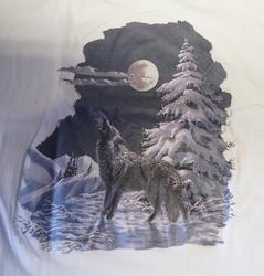 "T shirt ""  Wolf in de sneeuw ""   Wit"