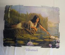 """T shirt """"  Wenonah,  Indiaanse bij vijver """"  Wit"""