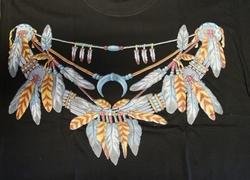 """T shirt """"  Indianen ketting """"  Zwart"""