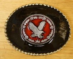 """Buckle """" Vliegende adelaar rood """"  zwarte achtergrond"""
