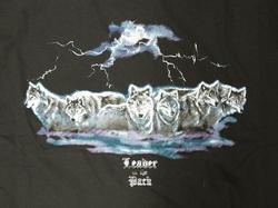 """T-shirt """" Roedel wolven in de onweer """" Zwart"""