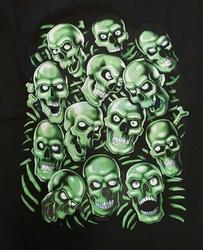 """T-shirt """" Skulls green """"  Zwart"""