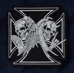 """Applicatie  """" Maltezer kruis met 2 engelen skelleten """""""
