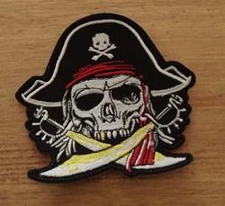 """Applicatie  """" Piratendoodskop met zwaarden """""""