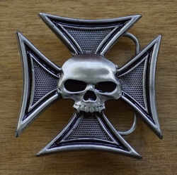 """Buckle """" Gothic teken / Maltezer kruis / doodshoofd"""