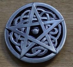 """Buckle / gesp """" Pentagram op Keltisch knoop """""""